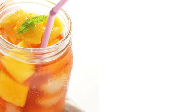 Mangós-narancsos házi jeges tea